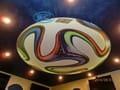 Окачени тавани и Опънати тавани София - окачен таван от гипсокартон с лунички и светещ опънат таван в заведение Еврофутбол.